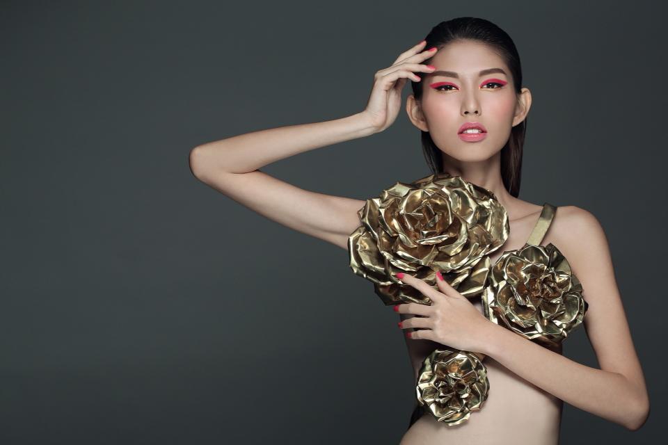 """Dung nhan """"ác nữ xắt xéo"""" đang hot nhất Next Top Việt - 10"""