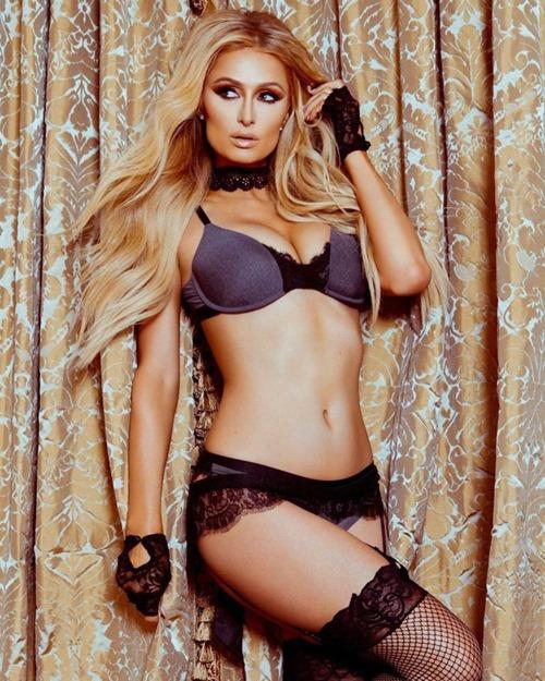 """U40 Paris Hilton cực """"sung"""" tự làm mẫu cho BST nội y mới - 1"""