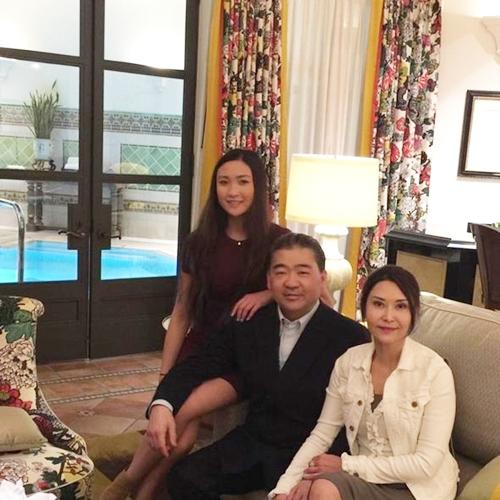 Con gái tuổi teen bốc lửa của nữ thần phim 18+ Hong Kong - 12