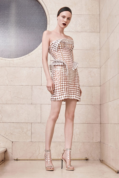 Nín thở vì đồ đẹp xuất sắc của đại gia làng mốt Versace - 10