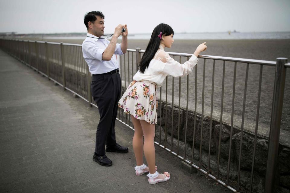 Bác sĩ Nhật kể chuyện sống cùng vợ và búp bê tình dục - 5