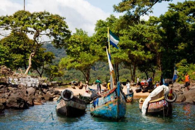 Việt Nam lọt top 20 quốc gia tăng trưởng du lịch nhanh nhất thế giới - 1