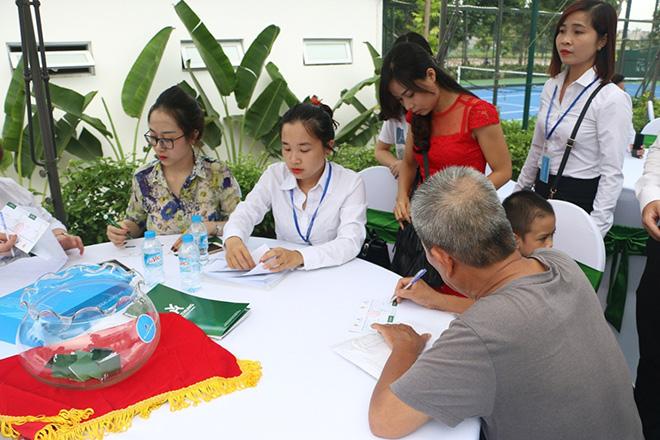 Hàng trăm khách hàng tham dự lễ mở bán và tri ân dự án Việt Hưng Green Park - 1