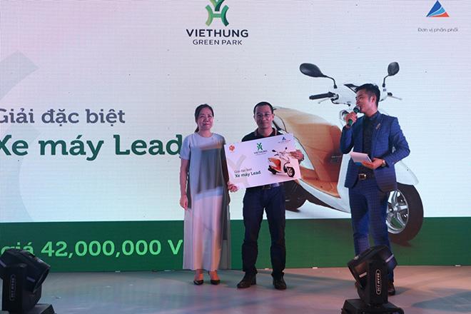 Hàng trăm khách hàng tham dự lễ mở bán và tri ân dự án Việt Hưng Green Park - 2