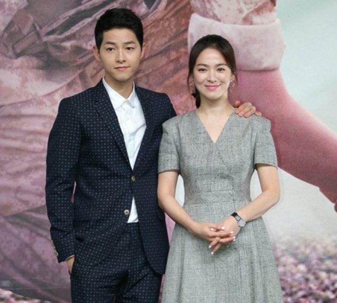 Mê mệt phong cách cặp tình chị duyên em Song Hye Kyo - Song Joong Ki - 9