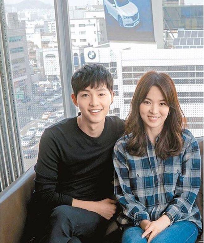 Mê mệt phong cách cặp tình chị duyên em Song Hye Kyo - Song Joong Ki - 6