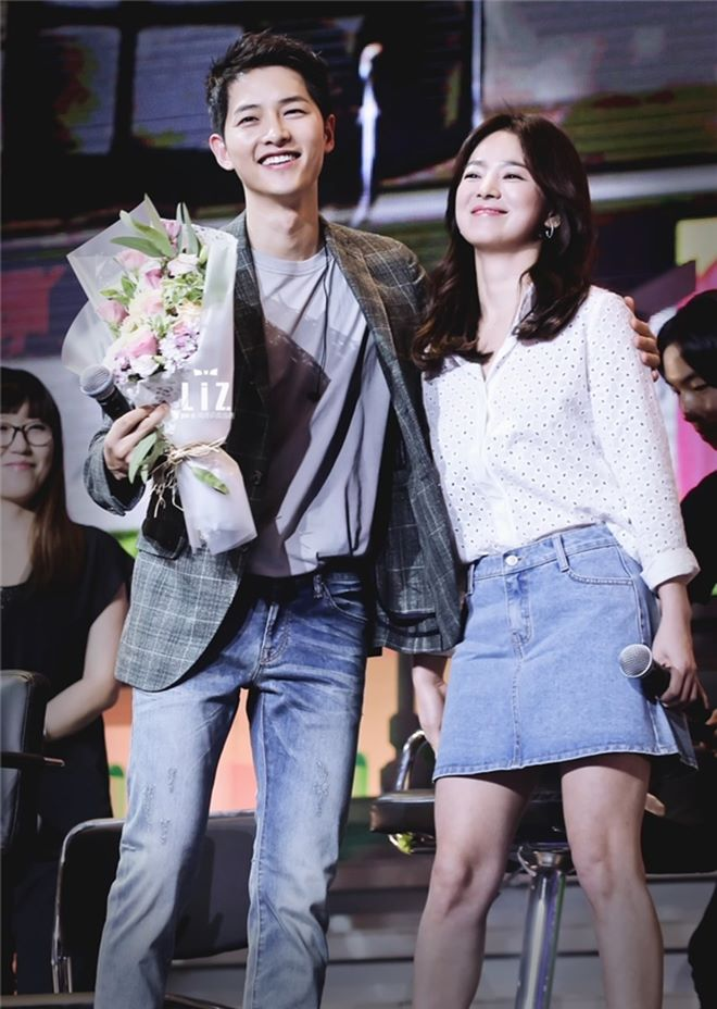 Mê mệt phong cách cặp tình chị duyên em Song Hye Kyo - Song Joong Ki - 13