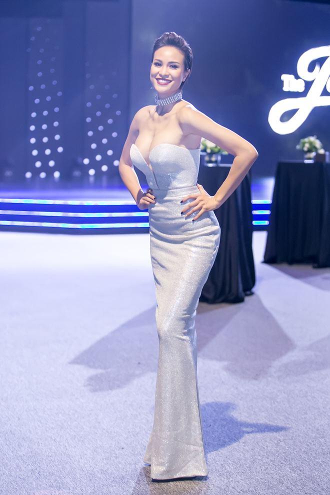 Thót tim vì váy áo táo bạo của cựu mẫu Phương Mai - 3