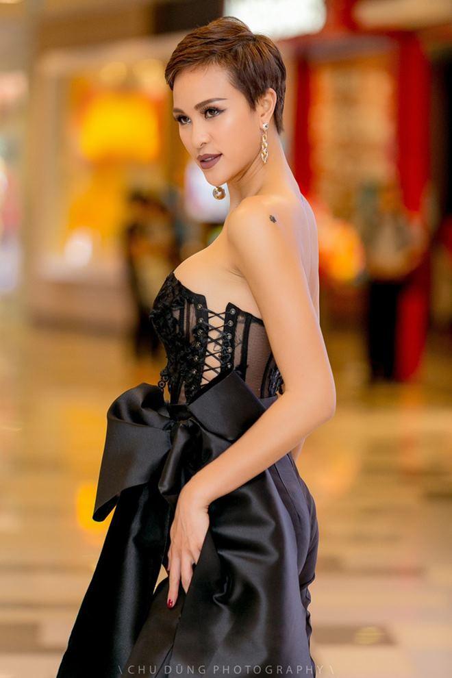 Thót tim vì váy áo táo bạo của cựu mẫu Phương Mai - 5