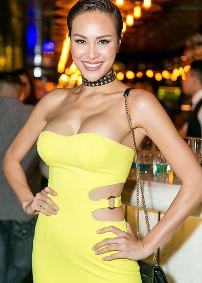 Thót tim vì váy áo táo bạo của cựu mẫu Phương Mai - 7