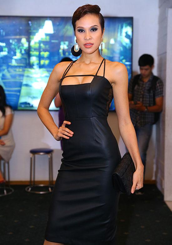 Thót tim vì váy áo táo bạo của cựu mẫu Phương Mai - 8