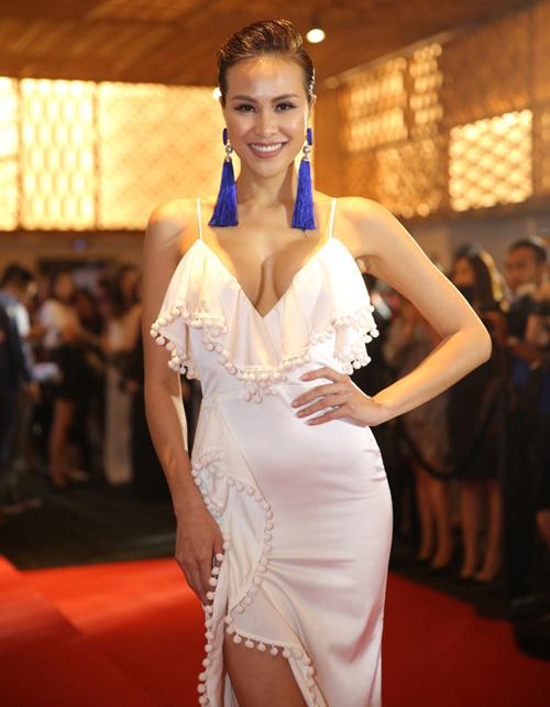 Thót tim vì váy áo táo bạo của cựu mẫu Phương Mai - 9