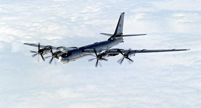 Máy bay ném bom đáng sợ nhất Nga gắn được tên lửa cực mạnh - 2