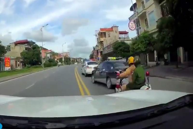 """CA thông tin về clip CSGT đuổi xe taxi như phim """"Fast and furious"""" - 1"""