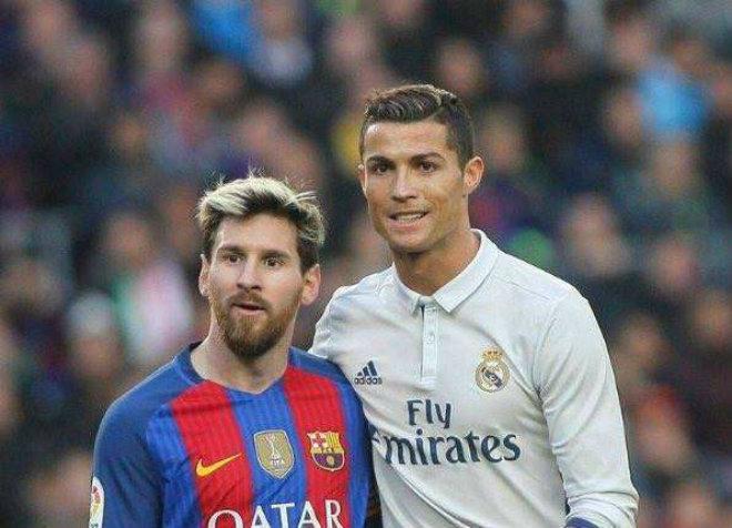 Messi – Ronaldo ngoài 30 tuổi: Đua danh hiệu, đua cả kế vòi tiền - 2