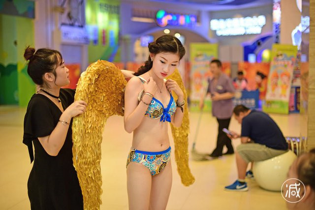 Những cô gái bất chấp tất cả để thành Phạm Băng Băng, Lưu Diệc Phi - 12