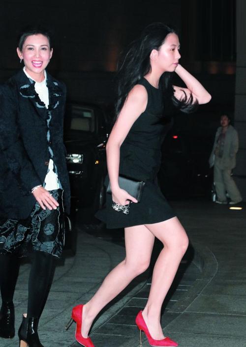 """Loạt ái nữ xinh như hoa hậu của sao Hoa bị showbiz gạ gẫm """"mua chuộc"""" - 5"""