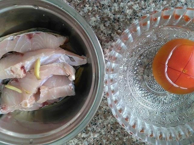 Cách nấu canh cá thơm ngon, không bị tanh với cà chua - 2