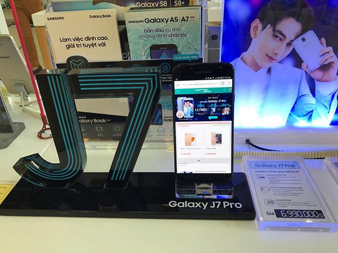 Viettel Store cháy hàng trong ngày đầu mở bán Galaxy J7 Pro - 2