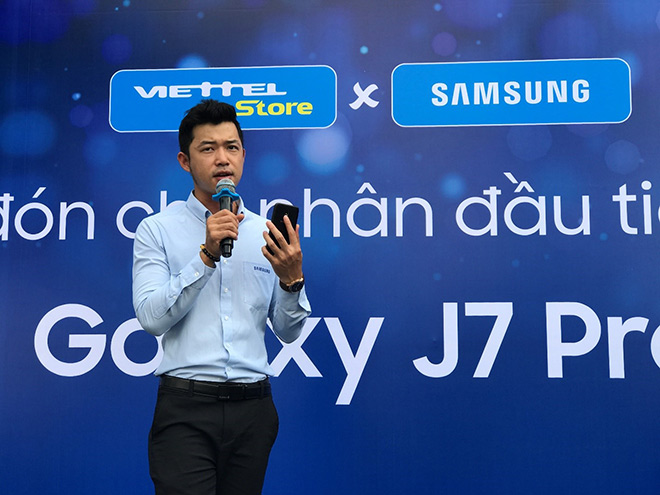 Viettel Store cháy hàng trong ngày đầu mở bán Galaxy J7 Pro - 4