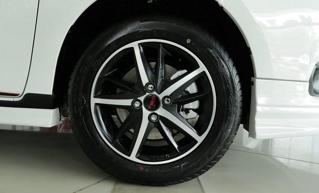 """Toyota Vios TRD - bản cao cấp nhất của """"vua"""" doanh số có gì? - 13"""
