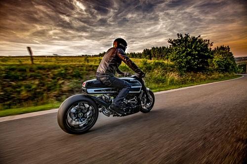 """Ducati Thiverval - """"Dị biệt"""" của sức mạnh - 3"""