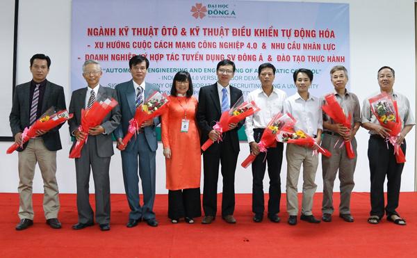 ĐH Đông Á đảm bảo việc làm 100% cho SV ngành CNKT ô tô và CNKT điều khiển tự động hóa - 2
