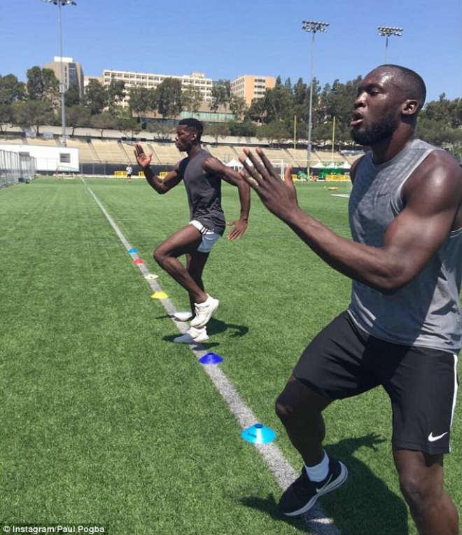 MU: Bom tấn Lukaku tập luyện ở Mỹ, Pogba giúp kiểm tra y tế - 2