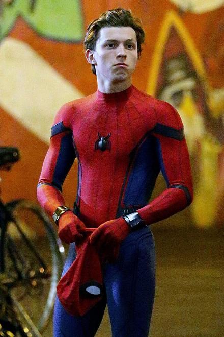 Người Nhện phiên bản mới: Vừa làm siêu anh hùng vừa cắp sách đi học - 2