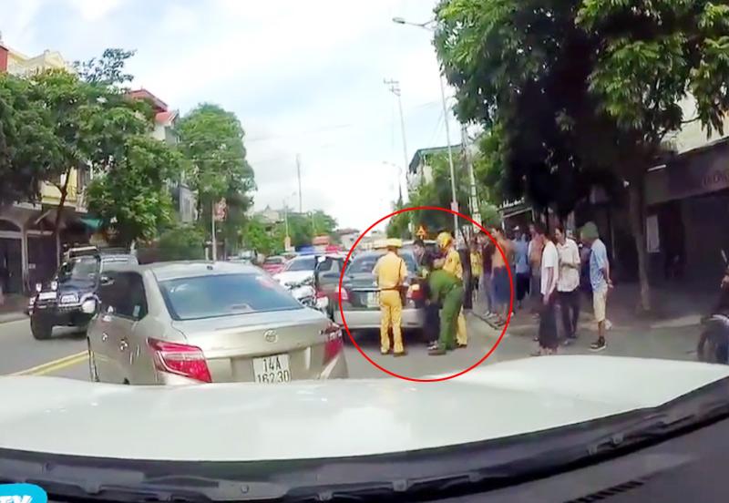 """Vụ CSGT đuổi xe taxi như phim """"Fast and furious"""": Vì sao tài xế bỏ chạy? - 2"""