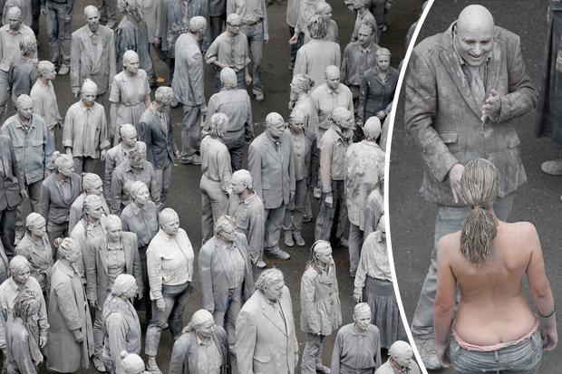 """""""Xác sống"""" xâm chiếm đường phố Đức dịp hội nghị G20 - 1"""
