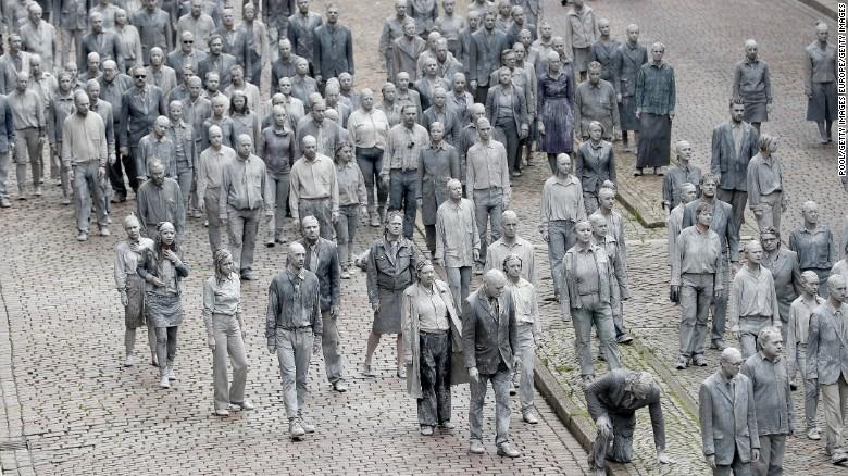 """""""Xác sống"""" xâm chiếm đường phố Đức dịp hội nghị G20 - 2"""
