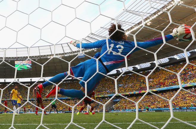 Facebook, Twitter và Snapchat đều muốn mua quyền tiếp cận các pha highlight của World Cup - 1