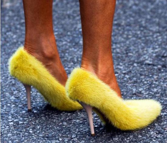 10 items thời trang đương đại lẽ ra nên biến mất lâu rồi - 9