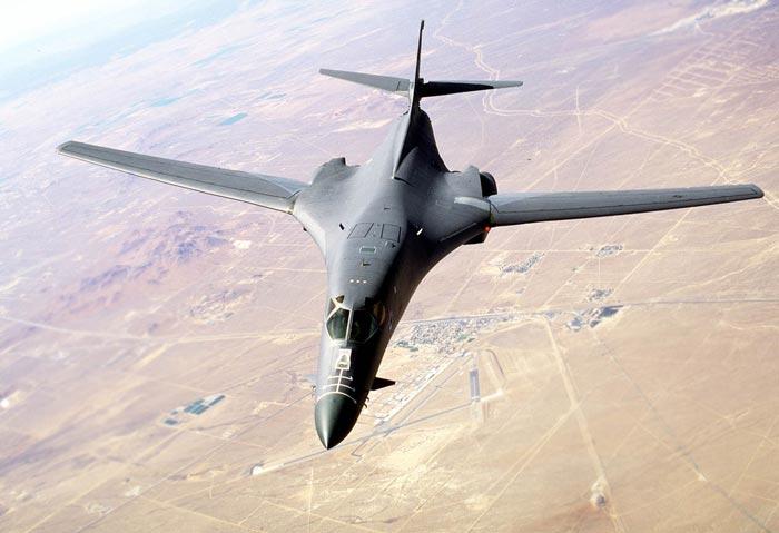 """Mỹ điều 2 máy bay ném bom đi """"dằn mặt"""" Triều Tiên - 1"""