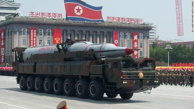 Triều Tiên làm gì với số tên lửa rơi xuống biển? - 3