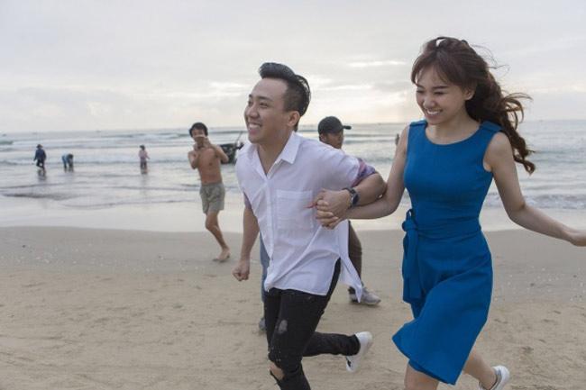 Hari Won là cô vợ ngoại quốc nổi tiếng nhất trong làng giải trí Việt khi kết hôn với Trấn Thành.
