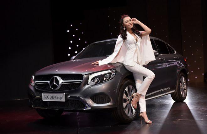 Ngắm dàn mỹ nữ tại triển lãm Mercedes-Benz Fascination 2017 - 10