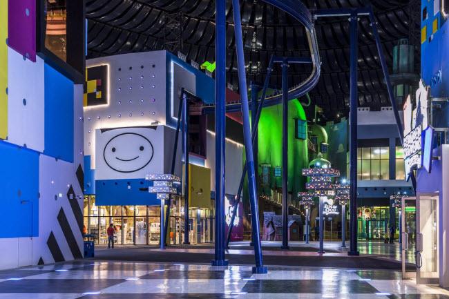 Dubai chi cả tỷ đô xây dựng công viên giải trí trong nhà lớn nhất thế giới - 5