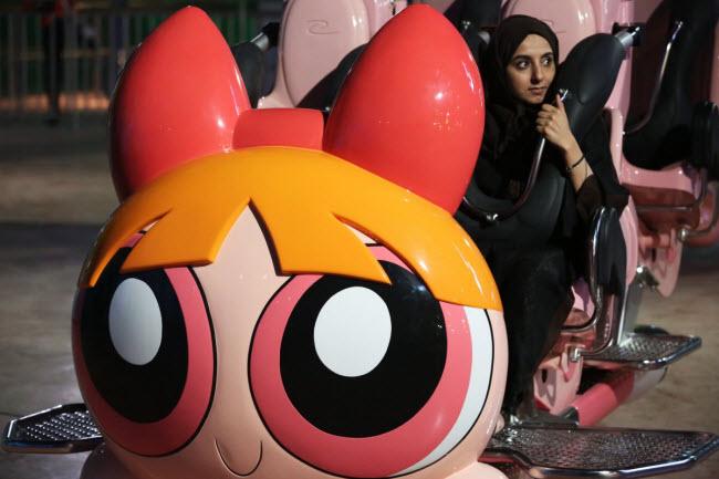 Dubai chi cả tỷ đô xây dựng công viên giải trí trong nhà lớn nhất thế giới - 9