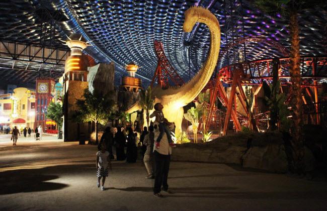 Dubai chi cả tỷ đô xây dựng công viên giải trí trong nhà lớn nhất thế giới - 13