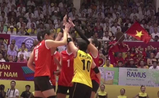 """ĐT Việt Nam - ĐH Bắc Kinh: """"Cơn bão"""" Thanh Thúy (Bóng chuyền VTV Cup) - 1"""