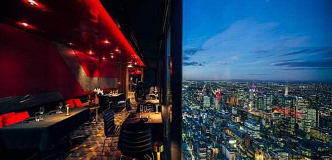 Eureka 89, Australia: Nằm trên đỉnh tòa tháp Eureka với chiều cao 297m ở thành phố Melbourne, nhà hàng Eureka 89 phục vụ nhiều món ăn hấp dẫn cho các bữa tiệc từ nhỏ tới lớn.