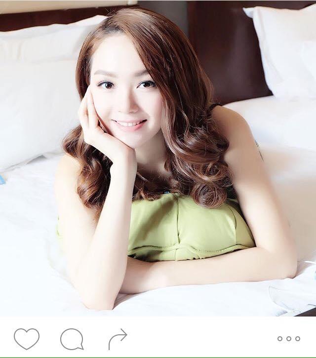 """Mỹ nhân khoe ảnh trong phòng ngủ: Hoàng Thùy Linh """"không có đối thủ"""" - 8"""