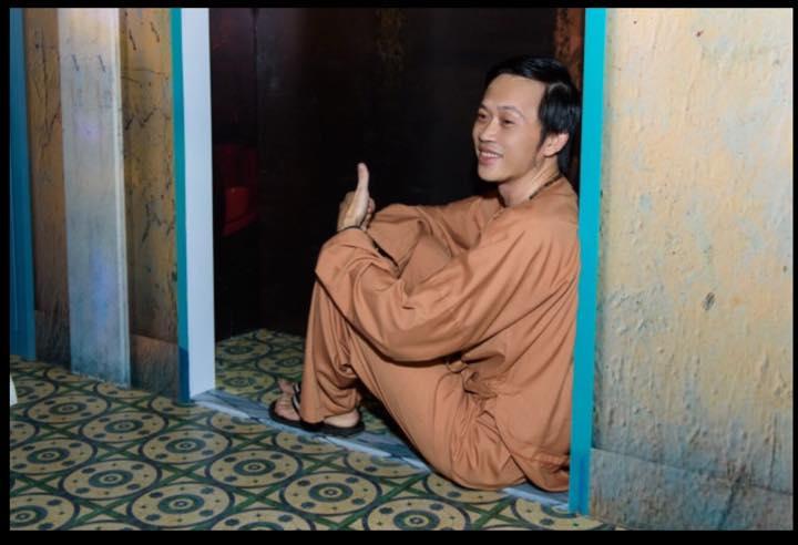 Bằng Kiều thân mật vợ cũ, Hoài Linh chạnh lòng thị phi - 2