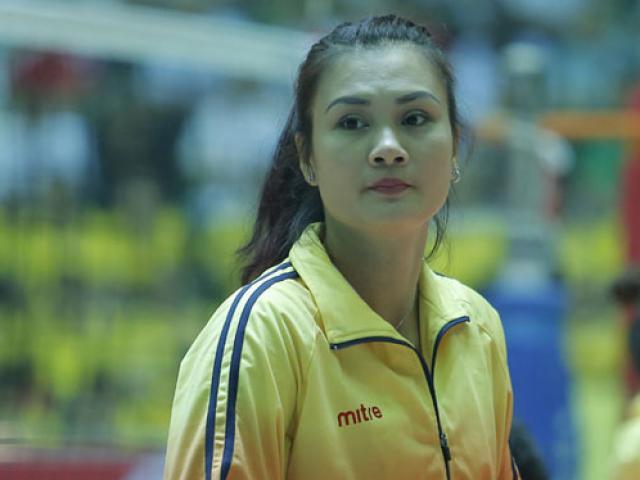 """Người đẹp bóng chuyền VTV Cup: Kim Huệ """"dạy dỗ"""" đàn em Trung Quốc"""