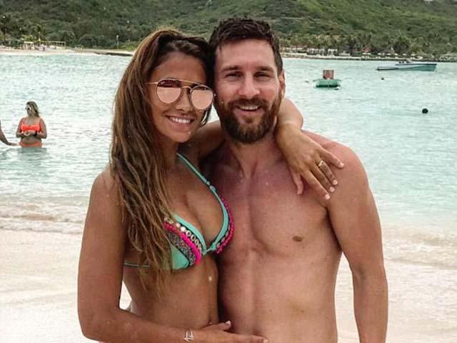 Messi tươi rói vì 30 tỷ đồng/tuần, sẵn sàng đấu MU & Real