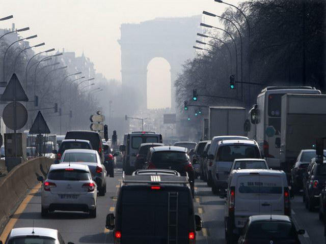 Pháp cấm hết ô tô, xe máy vào năm 2040 - 1