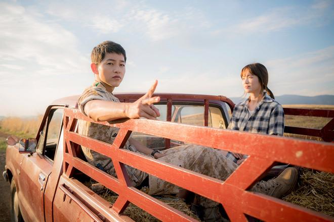 Nhà đài lũ lượt chiếu lại Hậu duệ mặt trời vì Song Hye Kyo - 4