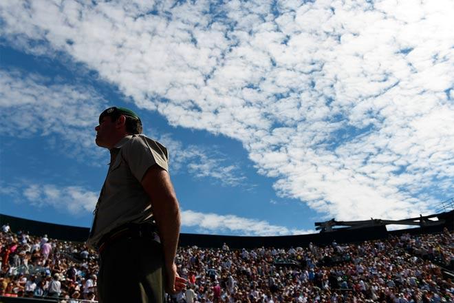 Tin nóng Wimbledon ngày 7: Federer lại nịnh vợ Mirka - 7